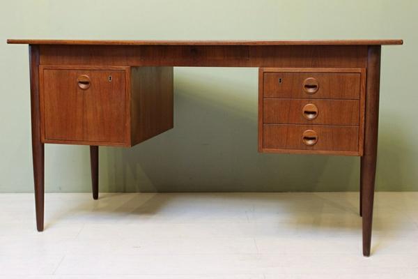 bureau-design-scandinave-style-annes-60-en-teak