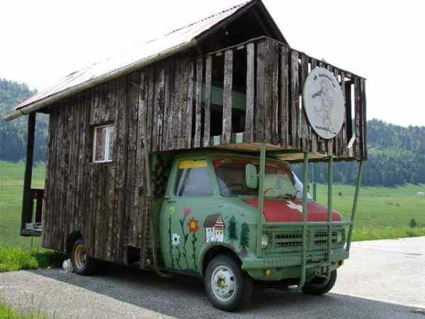 camping-car-insolite-a-suisse