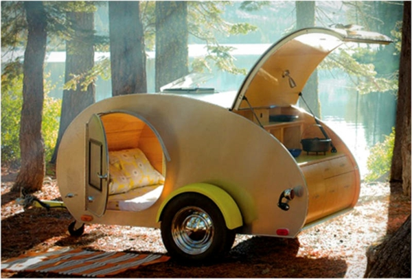 camping-car-insolite-lac
