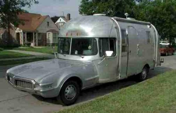 camping-car-insolite-metal