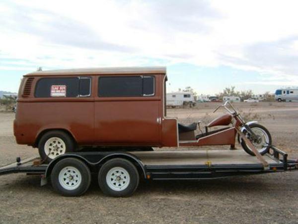 camping-car-insolite-moto