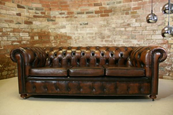 Le canap cuir vintage le chic et le fabuleux confort qui ont travers le t - Canape style chesterfield ...