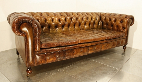 canape-cuir-vintage-marron-capitonne-style-chesterfield2