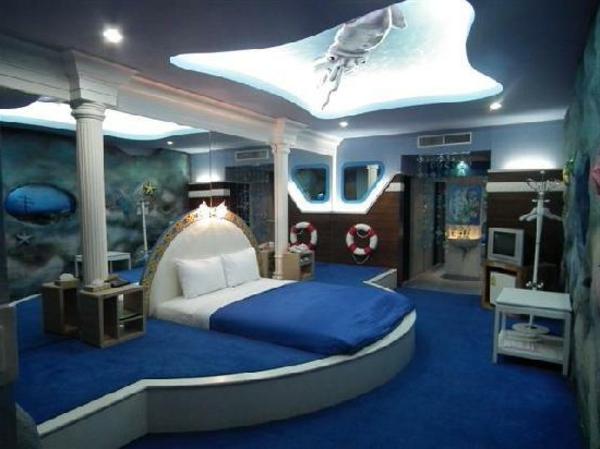 Le design d 39 une chambre d 39 h tel de luxe sous marine for Interieur sous marin