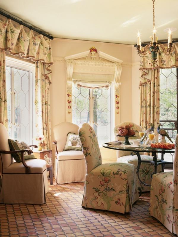 latest chambre classique en anglais une chambre de style. Black Bedroom Furniture Sets. Home Design Ideas