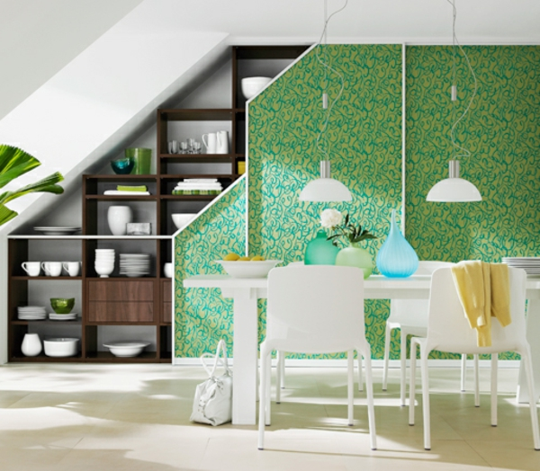 cloison coulissante verte, une étagère marronne avec des objets ...