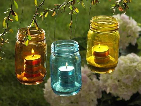 comment-decorer-son-jardin-bougies-bouteillesz