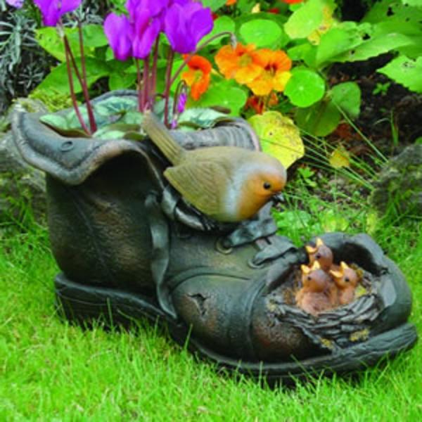 comment-decorer-son-jardin-chaussure-avec-oiseaux