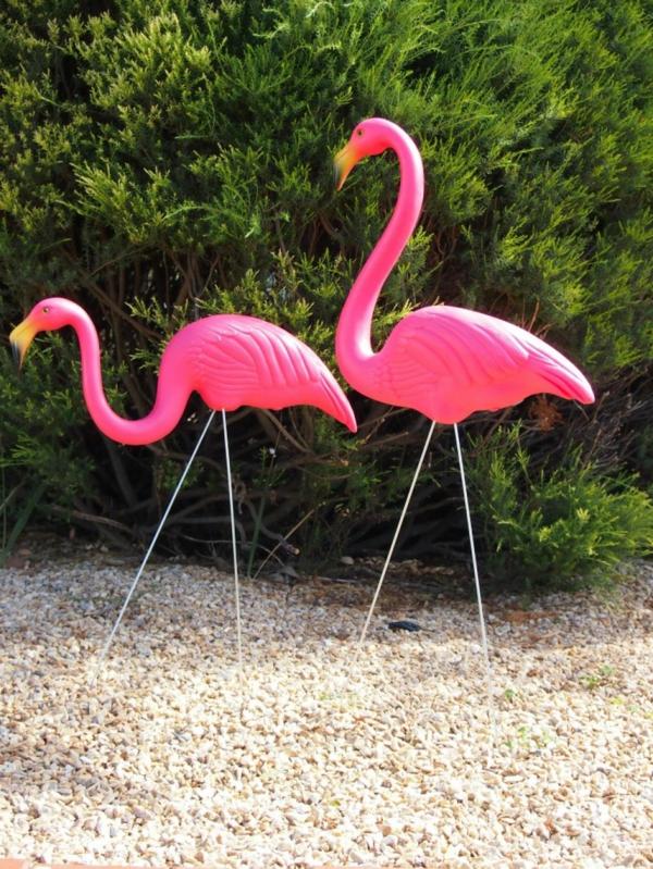 comment-decorer-son-jardin-l'homme-flamingo