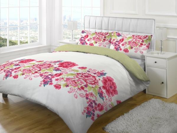 couette-imprimée-fleurs-roses