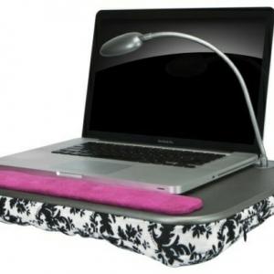 Un coussin ordinateur portable - fonctionnel et confortable