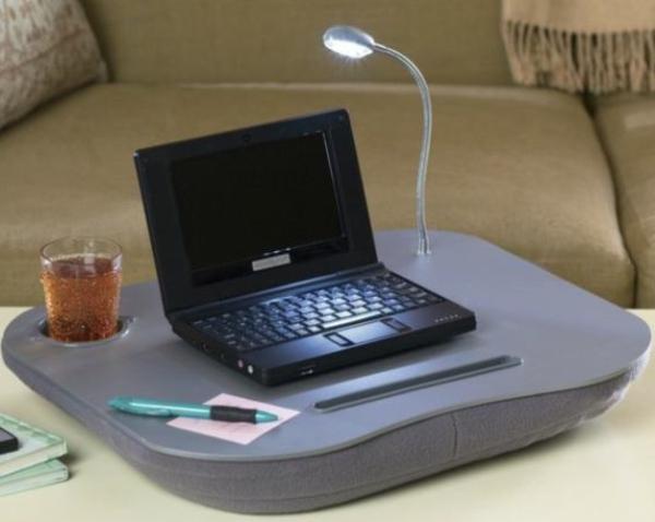 Un coussin ordinateur portable fonctionnel et for Petite table pour ordinateur portable