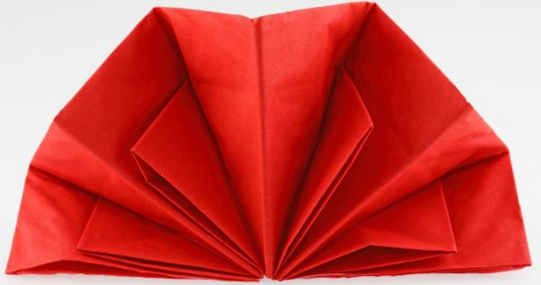 deco-serviette-en-papeir-eventaille-inspiration