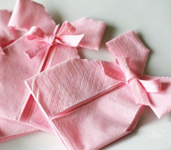 deco-serviette-en-papeir-robes-roses