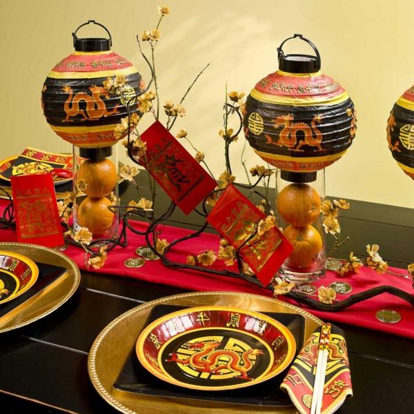 decoration-chinoise-une-deux-trois-quatre-cinque-six-nouvel-aneee-couverts