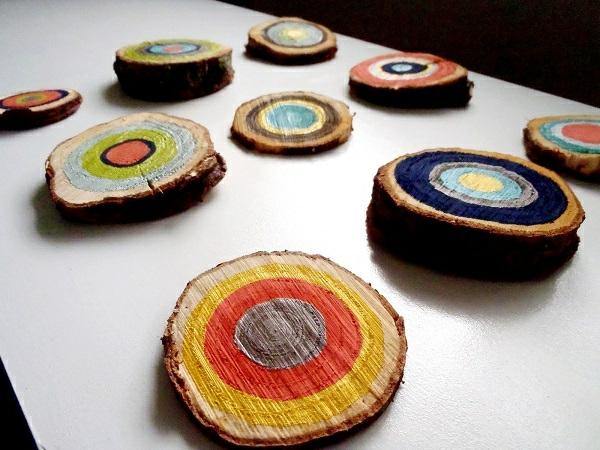 decoration-en-bois-idee-sections-en-couleurs
