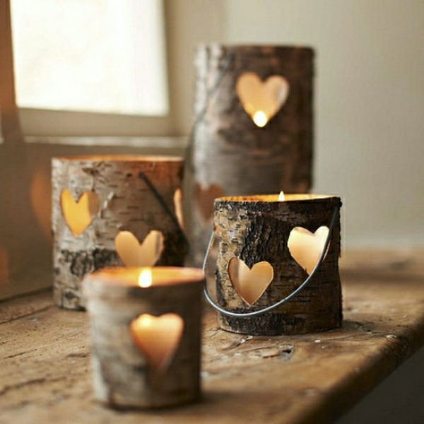decoration-en-bois-romantique-avec-bougies