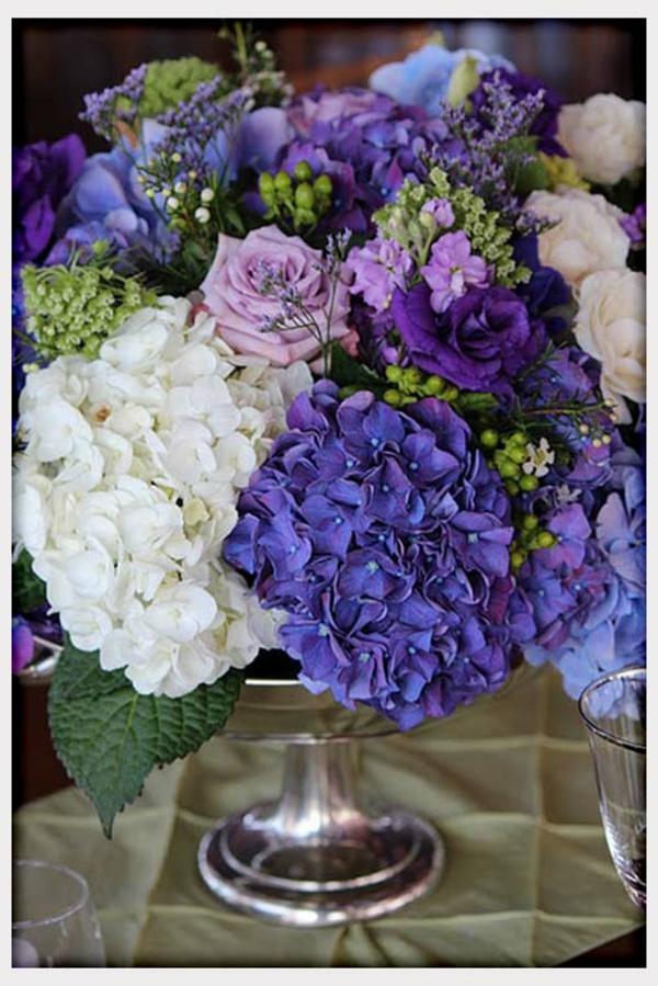 decoration-florale-pour-mariage-idee-tables-violets