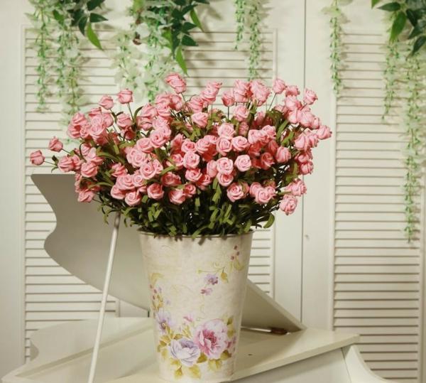 decoration-florale-pour-mariage-table-vase-roses