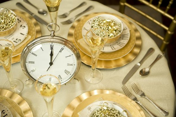 decoration-nouvel-an-table-horloge
