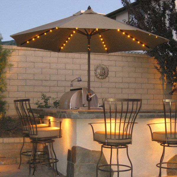 decoration-terrasse-exterieure-coin-bar-et-barbeque