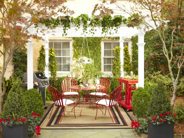 decoration-terrasse-exterieure-salon-fer-rouge