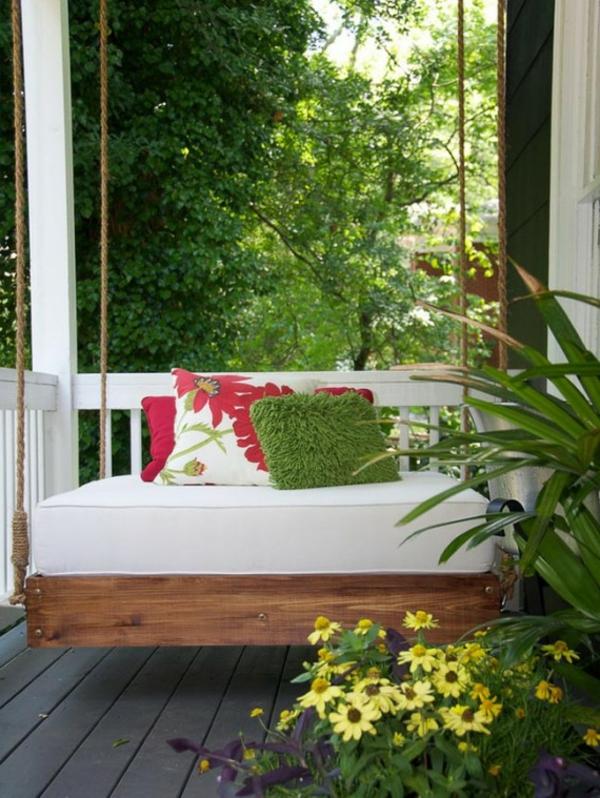 decoration-terrasse-exterieure-salon-lit-suspendu
