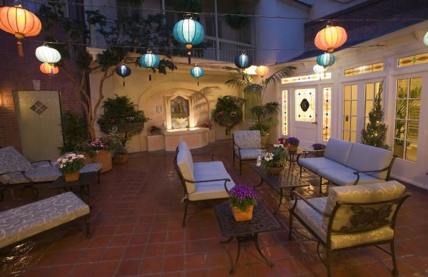 decoration-terrasse-exterieure-salon-lumieres