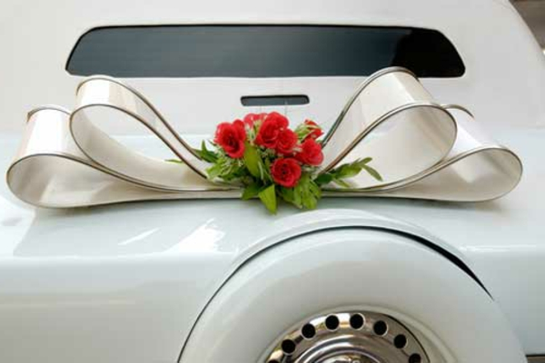 deco voiture mariage rouge et blanc. Black Bedroom Furniture Sets. Home Design Ideas