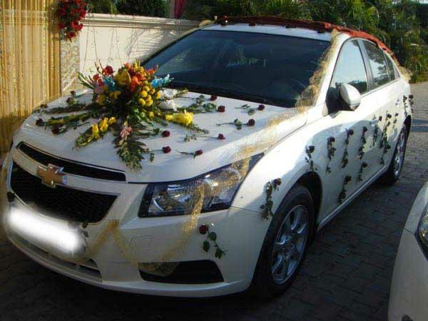 decoration-voiture-mariage-blanche