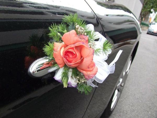 decoration-voiture-mariage-porte