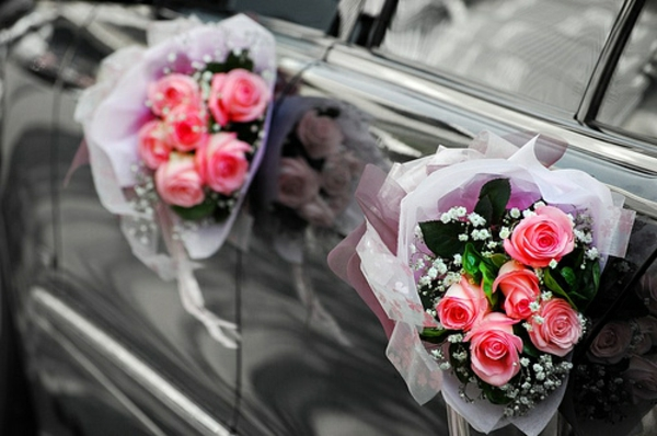 decoration-voiture-mariage-portes