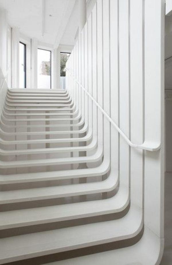 escalier-dans-un salon-de-coiffurre-art-et-déco - architecture-