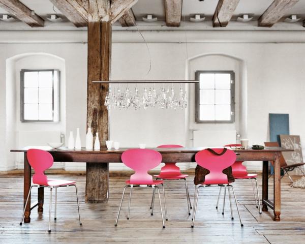 meuble-design-scandinave-une-table-en-bois