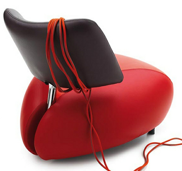 fauteuil-design-rouge-dossier-noir