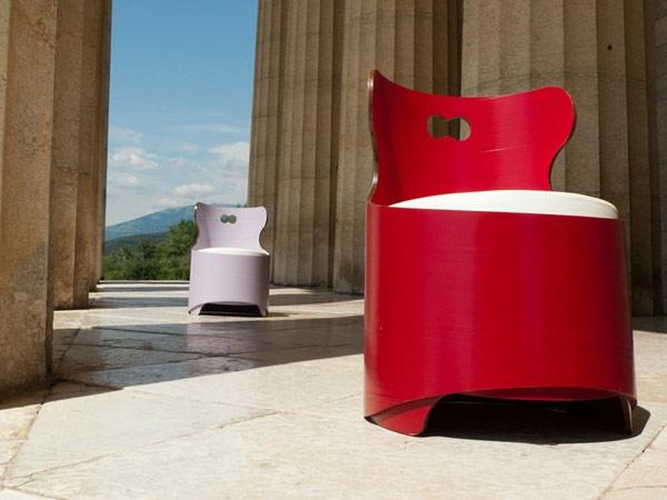 fauteuil-design-rouge-recup-materiaux