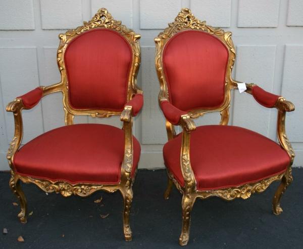 fauteuils-voltaire-deux-fauteuils-rouges