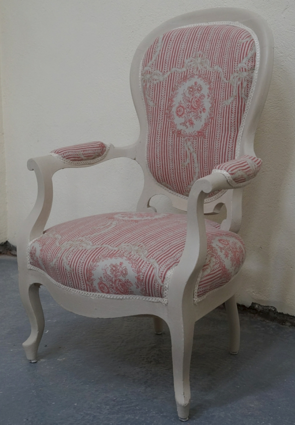 Les fauteuils voltaire un confort cherch et un vrai r gal pour les sens es - Fauteuil voltaire blanc ...