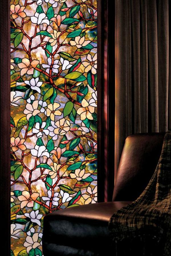 film-adhésif-de-vitrage-avec-des-magnolias