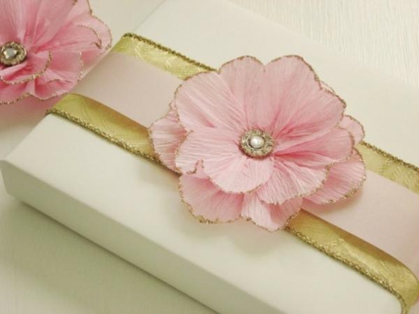 fleur-en-papier-crepon-cadeau