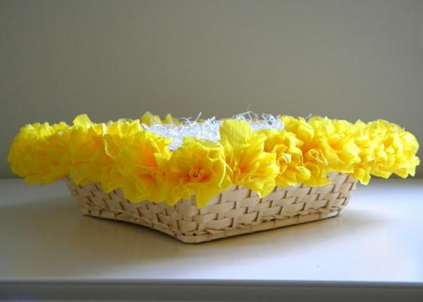 fleur-en-papier-crepon-decoration-panier