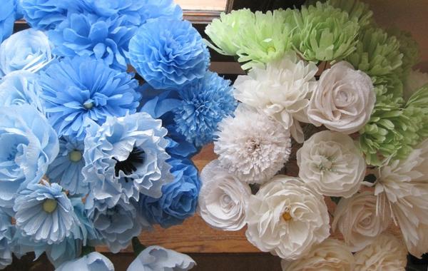 fleur-en-papier-crepon-deux-bouquets