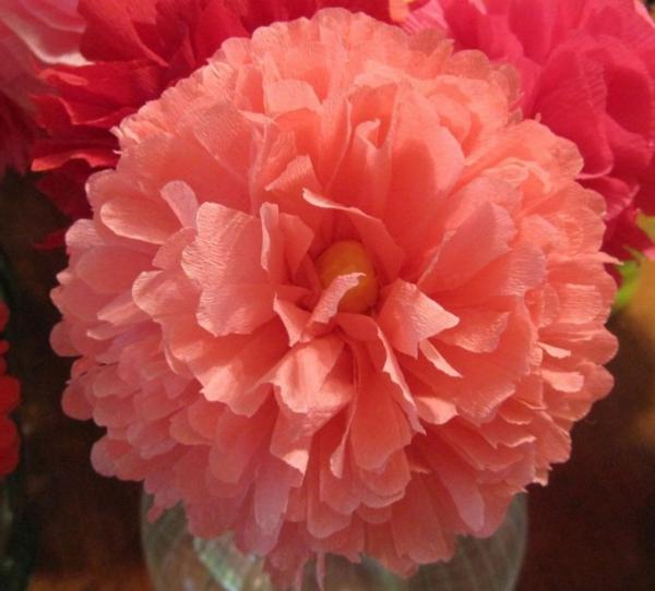 fleur-en-papier-crepon-pour-mariage