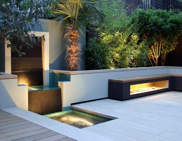 une fontaine de jardin design quelques id es en photos fascinantes. Black Bedroom Furniture Sets. Home Design Ideas