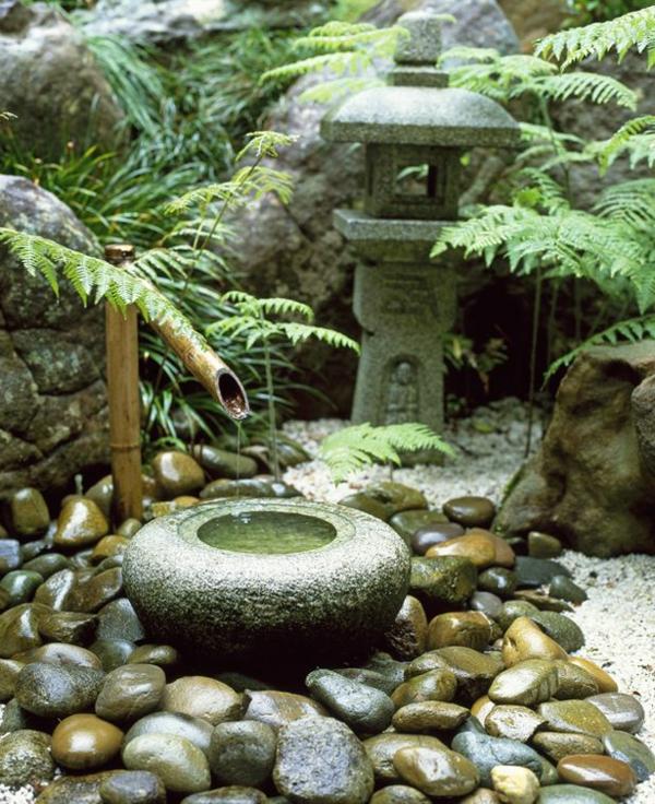 Une fontaine de jardin design - quelques idées en photos fascinantes