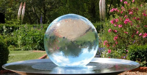fontaine-de-jardin-design-moderne-sphere