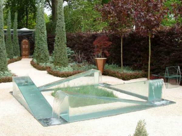 Une fontaine de jardin design quelques id es en photos for Photo jardin moderne design