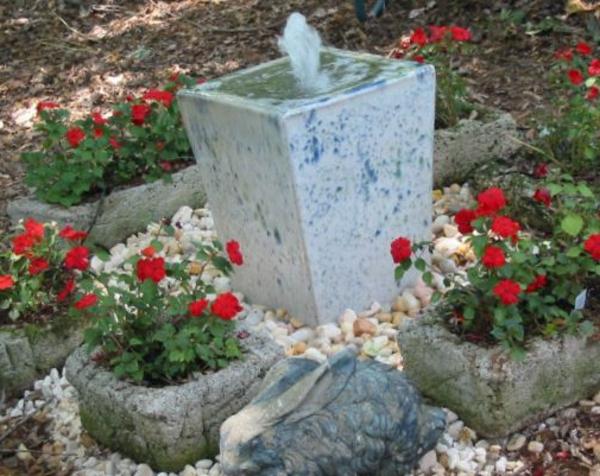 fontaine-de-jardin-design-pierre-pots-en-pierre-de-fleurs