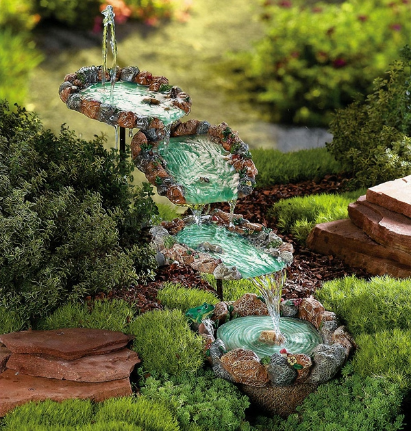 fontaine-de-jardin-design-plateaux-en-pierre-en-cascade