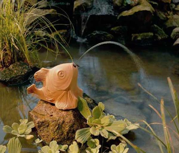 fontaine-de-jardin-design-poisson-resine